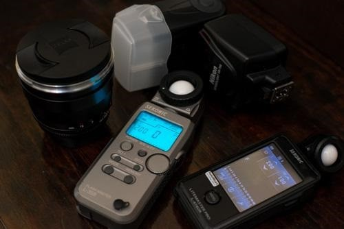 13Sekonic-Flashes